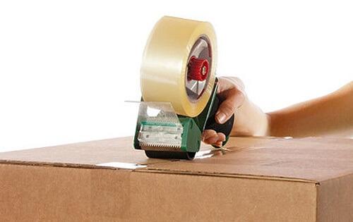 Băng dính vàng chanh OPP hay còn gọi băng keo dán thùng carton