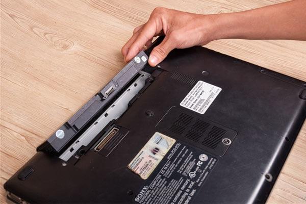 cuộn xốp hơi 70cm dài 100m đóng gói laptop